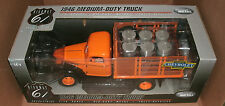 1/16 Chevrolet Truck Diecast Model - 1946 Chevy Medium-Duty Flatbed With Barrels
