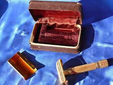 Vintage 1947 Model GOLD ARISTOCRAT GILLETTE SAFETY RAZOR w Orig Blade & Case