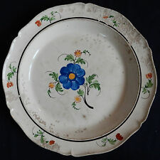 B) Grand plat ancien en faïence (Wedgwood? Creil? Choisy? Aumale?)