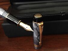 1980-2003 PARKER DUOFOLD CENTENNIAL PEARL GREY W BLACK LINES FOUNTAIN PEN