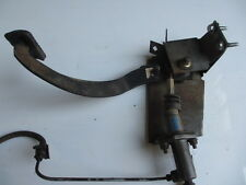 VT VX HYDRAULIC CLUTCH CYLINDER MANUAL PEDAL MOUNT S/HAND GM HOLDEN COMMODORE