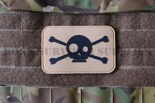 PIRATE TACTICAL VELCRO PVC PATCH SKULL CROSSBONES TAN Army Airsoft Morale Badge
