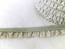 Volantband Rüschenband Paspel mit Rüsche Paspelband grau mit weißen Punkten