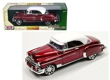 MOTOR MAX 1:18 TIMELESS CLASSICS 1950 CHEVROLET BEL AIR WITH WHITE TOP 79007