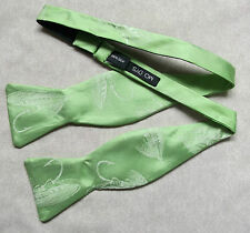 NEW LUXURY SILK SELF TIE DICKIE BOW TIE BRITISH MADE FEATHER FISHING HOOK GREEN