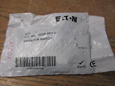 NEW NOS Eaton M22S-WRK3 Selector Switch