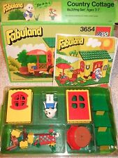 Vintage Fabuland Country Cottage 3654 with instruction booklet