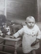 CPA Photo bébé fillette avec ses jouets poupée 1927