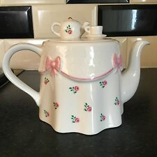 Teapot By Price Kensington Potteries