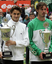 Marat Safin and Roger Federer UNSIGNED photo - F1041 - Holding their trophies