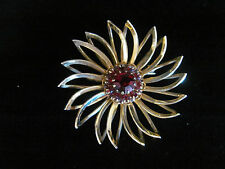 VINTAGE SARAH COVENTRY GOLD TONE PRONG SET RED DOGTOOTHED RHINESTONE BROOCH