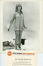 JOEY HEATHERTON LEGGY BUSTY PORTRAIT TURN-ON ORIGINAL 1969 ABC TV PHOTO