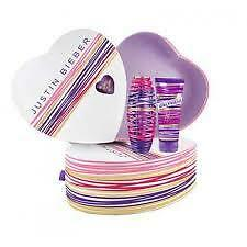 JUSTIN Bieber Girlfriend 30ml EDP SPRAY + 100ml Lozione corpo Set regalo