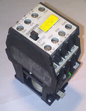 Siemens 3TF4022 0B Contactor 24 v DC  Coil  4 KW
