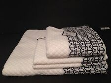 COASTAL COLLECTION TOWEL SET Of 4 White/ Navy Blue Anchor Pattern..NWT