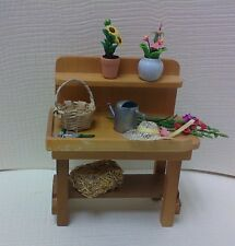 Dollhouse mini1:12 scale garden potting bench flowers/hat/tools/sprinkling can
