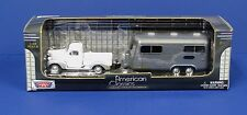 Motormax 1:43 1941 Plymouth Pickup White with Airstream Style Camper Trailer MIB