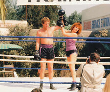 Ryan O'Neal and Barbra Streisand UNSIGNED photo - 2647 - The Main Event
