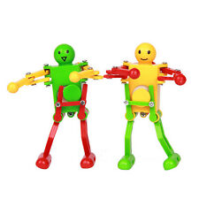 2 PCS Dancing Robot Toy Clockwork Design 3.54*2.16inch (Color Random Package)