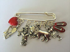 Silver Tone KIT PIN BROOCH WIZARD OF OZ  Dorothy Tin Man Lion Scarecrow Red Shoe