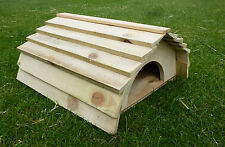 Tortoise/Guinea Pig/Hedgehog/Ferret/Small animal house with floor &wooden roof