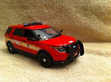 1/24 SCALE F.D.N.Y FIRE DEPT FORD EXPLORER UT DIECAST WITH WORKING LIGHTS/SIREN