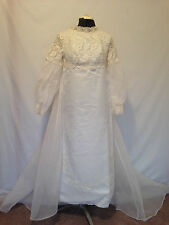 Alfred Angelo Long Sleeve Vintage Lolita Fluffy Off-White Lace Wedding Dress