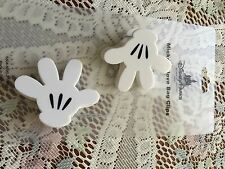 DISNEY PARKS KITCHEN Magnetic  Bag Clips MICKEY MOUSE GLOVES NEW