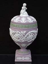 RARE WEDGWOOD WHITE & SAGE GREEN ON LILAC JASPER CUPID VASE #443 L.E. 46 OF 100