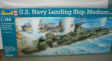 U.S. Navy LANDING SHIP MEDIUM & TRUCKS TANKS & WEAPONS 1/144 REVELL Kit 05132
