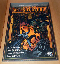BATMAN GATES OF GOTHAM TPB TP SCOTT SNYDER NEVER READ BAGGED OLD DC LOGO