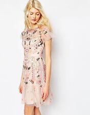 Vestido de Boda hilo floral adornado en niveles y Needle Fiesta Talla 6 BNWT £ 450