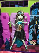 Monster High Doll - Frankie Stein - 13 Wishes - Great Condition