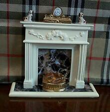 Dollshouse paon cheminée 12v light up grille chiens horloge miniature set