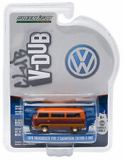 1:64 GreenLight *CLUB V-DUB 2* VOLKSWAGEN VW 1978 Type 2 Champagne Ed II Bus NIP
