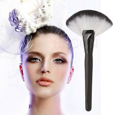 Pro Makeup Large Fan Brush Blush Face Powder Foundation Cosmetic Make Up Tools