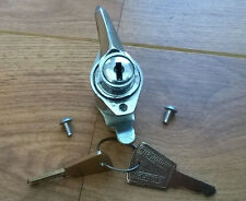 LAMBRETTA LI SERIES 3 CHROME TOOL BOX LOCK & 2 KEYS + FIXING KIT. NEW
