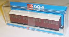Peco GR-400U - Composite Coach, Indian Red Unlettered       New     (009)