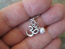 Silver Ohm Pearl Cartilage Piercing Captive Ring Earring 16G (1.2mm)