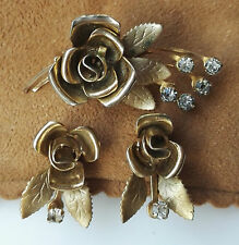 VINTAGE RETRO ROSE FLOWER CLEAR RHINESTONE GOLDTONE BROOCH & SCREW BACK EARRINGS