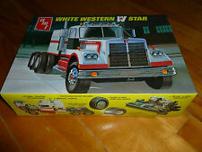 WESTERN STAR WHITE TRACTOR TRUCK AMT 724 MODEL KIT PLASTIC 1/25 OPEN UNSTARTED