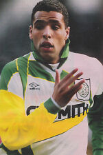 Football Photo PIERRE VAN HOOIJDONK Celtic 1996-97