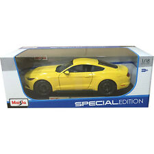 Maisto 2015 Ford Mustang GT 1:18 Diecast Model Car Yellow