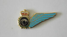PARACHUTE JUMP INSTRUCTOR BREVET WING  ENAMEL LAPEL BADGE 25MM WIDE WITH 1 PIN