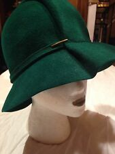Vintage Emerald Green Wool Felt Art Deco Bobbie Hat