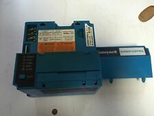 USED HONEYWELL BURNER CONTROL RM7800 L 1018, R7849A 1023 ULTRAVIOLET FLAME  BZ