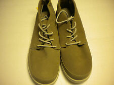 North Face mens BASE CAMP LUXE CHUKA dune beige/monlght ivory size 9 NWT