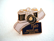 PINS APPAREIL PHOTO 1980 PRESS LABO SERVICE