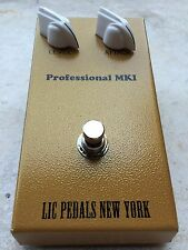 LIC Pedals MKI Tonebender Replica with a Mullard branded OC81 and two OC75's