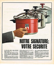 PUBLICITE ADVERTISING 054   1973  SEB   la cocotte- minute notre signature